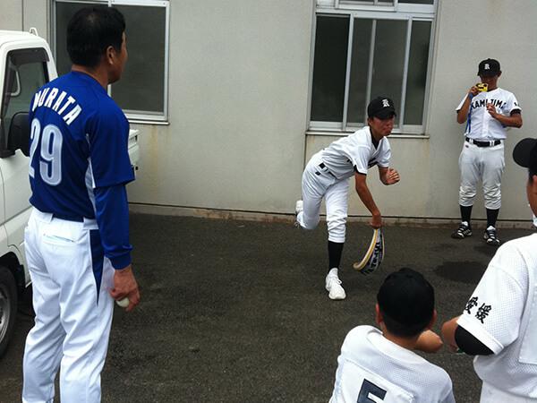 第7回佐渡大会【投球フォームを指導する村田兆治氏】
